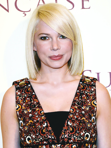 Michelle Williams wallpaper possibly with a portrait entitled  Suite Francaise Premiere
