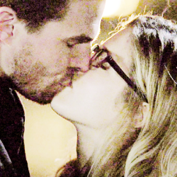 Oliver & Felicity দেওয়ালপত্র titled ♥
