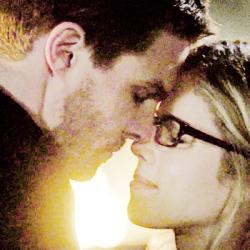 Oliver & Felicity achtergrond titled ♥