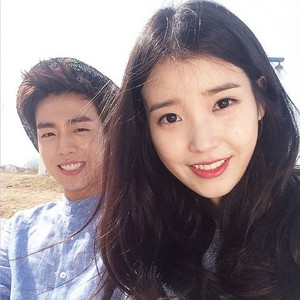 150429 IU and Hyun Woo for 유니온베이 Instagram update