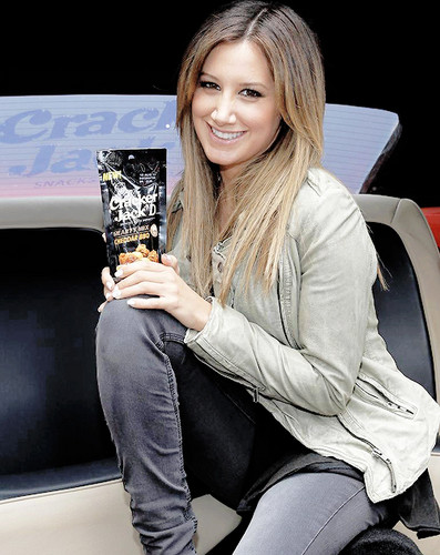 Ashley Tisdale Hintergrund with a sign and Anime entitled Ashley Tisdale