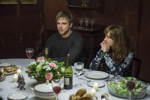 "Bates Motel karatasi la kupamba ukuta containing a dinner, a chajio, chakula cha jioni table, and a holiday chajio, chakula cha jioni entitled Bates Motel ""The Last Supper"" (3x07) promotional picture"