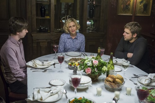 "Bates Motel wallpaper containing a dinner table, a dinner, and a holiday dinner entitled Bates Motel ""The Last Supper"" (3x07) promotional picture"