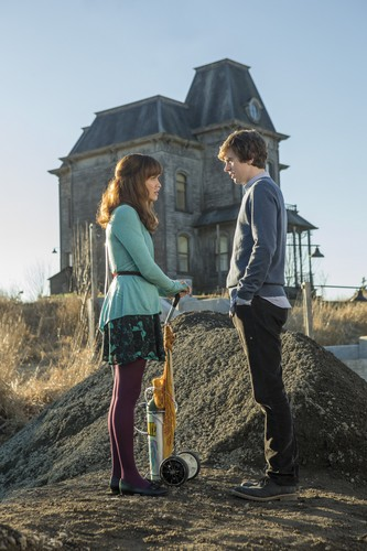 "Bates Motel wolpeyper called Bates Motel ""The Pit"" (3x08) promotional picture"