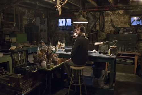 "Bates Motel karatasi la kupamba ukuta containing a brasserie entitled Bates Motel ""The Pit"" (3x08) promotional picture"