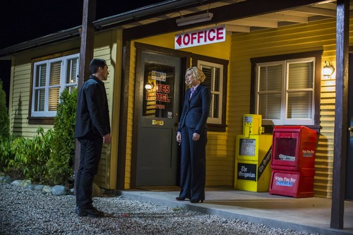 "Bates Motel fondo de pantalla probably containing a telephone booth called Bates Motel ""Unconscious"" (3x10) promotional picture"
