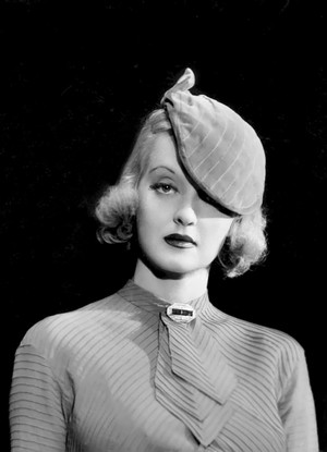 Bette Davis bởi Elmer Fryer, 1934