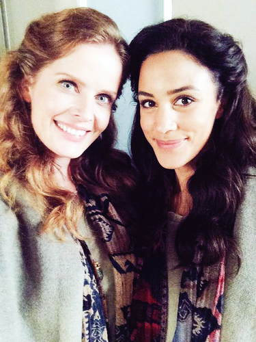 वन्स अपॉन अ टाइम वॉलपेपर containing a portrait titled Christie Laing and Rebecca Mader