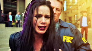 Emily Bett Rickards as Felicity Smoak Hintergrund