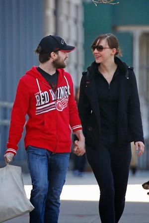 Ex:Daniel Radcliffe & Erin Darke (Fb.com/DanieljacobRadcliffeFanClub)