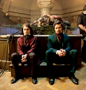 Ex: First look of Victor Frankenstein (Fb.com/DanieljacobRadcliffeFanClub)