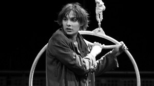Frank Dillane on Stage 2012 Peter Pan または The Boy Who Would Not Grow Up