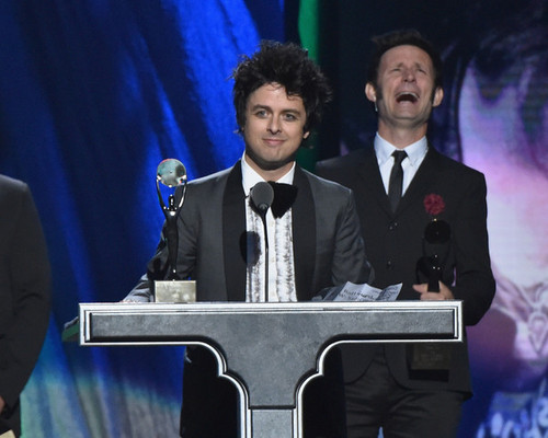 green hari wallpaper with a business suit, a suit, and a dress suit titled Green hari Speaking @ the 30th Annual Rock And Roll Hall Of Fame Induction Ceremony