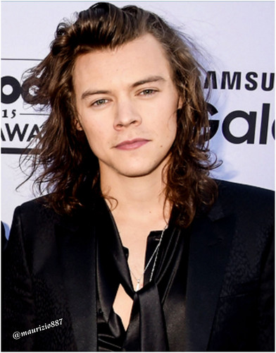 One Direction wallpaper possibly containing a well dressed person, a business suit, and a portrait titled Harry Styles,Billboard Music Awards 2015
