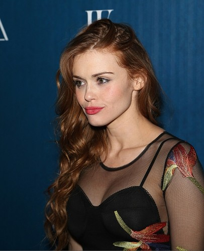 Holland Roden wallpaper with a portrait entitled Holland attends Omnia Nightclub At Caesars Palace Grand Opening Weekend