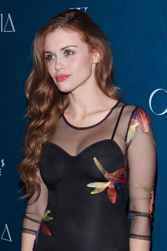 Holland Roden দেওয়ালপত্র called Holland attends Omnia Nightclub At Caesars Palace Grand Opening Weekend