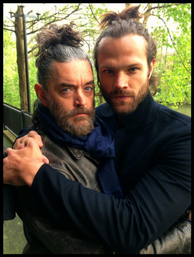 supernatural fondo de pantalla possibly containing a conservatory entitled Jared Padalecki and Timothy Omundson