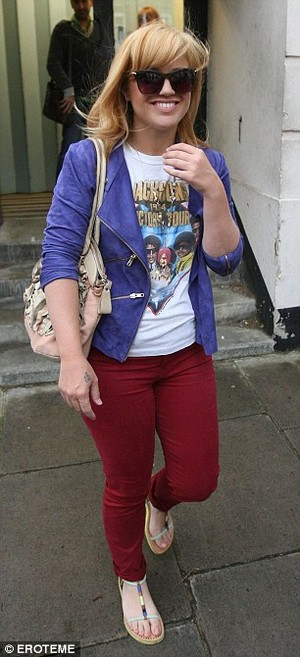 KELLY CLARKSON WEARS MICHAEL JACKSON camicia