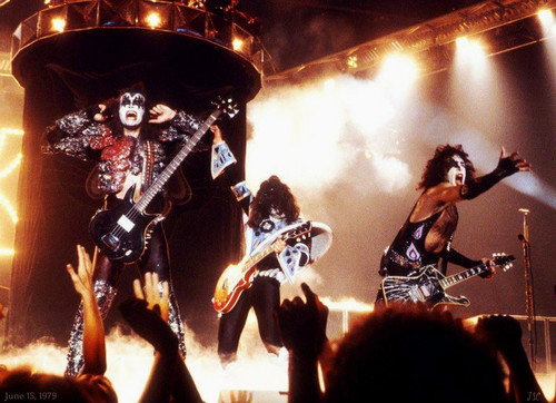 kiss fondo de pantalla with a concierto called kiss ~Dynasty Tour ~Lakeland Civic Center ~Lakeland, Florida…June 15, 1979