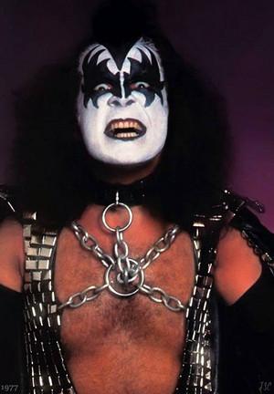 Kiss ~June 1, 1977