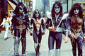 吻乐队(Kiss) ~NYC…June 24, 1976
