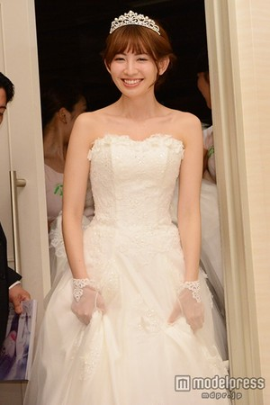 Kojima Haruna Wedding Dress