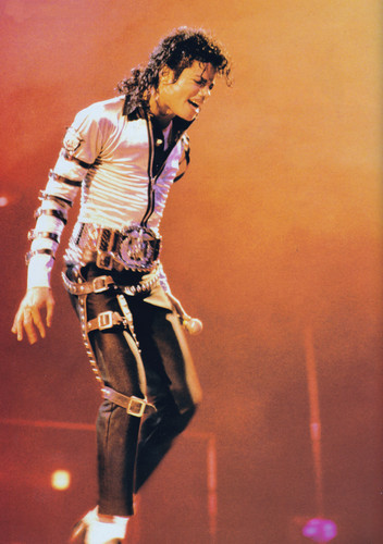 Michael Jackson achtergrond with a hip boot called Michael Jackson - HQ Scan - Bad Tour