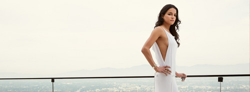মাইকেল রডরিগেইজ দেওয়ালপত্র titled Michelle Rodriguez in Hello! Magazine Russia - 2013