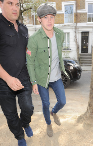 Niall arriving to the studio