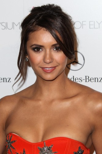 Nina Dobrev wallpaper possibly with a portrait and skin entitled Nina Dobrev