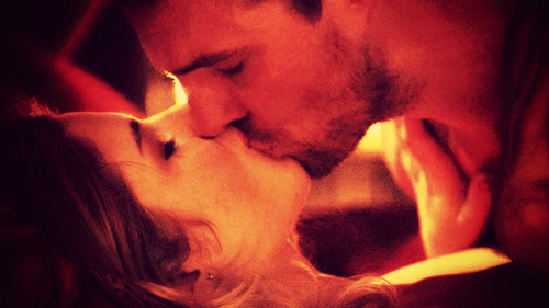 Oliver & Felicity wallpaper entitled Oliver and Felicity Wallpaper