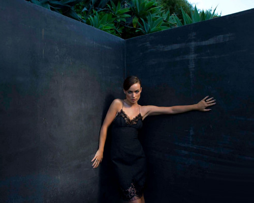 Olivia Wilde wallpaper entitled Olivia Wilde - Harper's Bazaar Photoshoot - September 2013