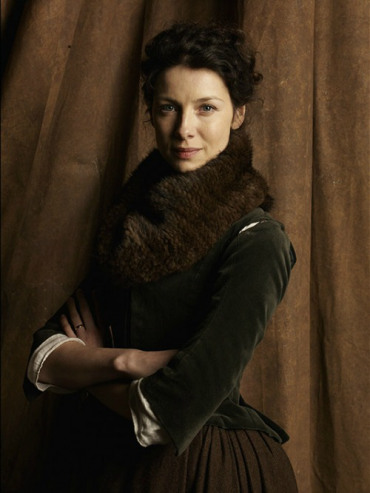 Outlander 2014 TV Series پیپر وال titled Outlander Season 1 Claire Official Picture
