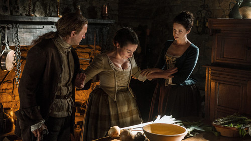 "outlander série de televisão 2014 wallpaper probably with a lunch, a dinner, and an antipasto, antepasto called Outlander ""The Watch"" (1x13) promotional picture"