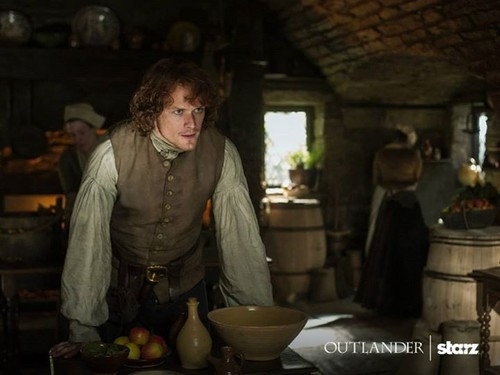 "Outlander 2014 TV Series پیپر وال probably containing a چولی, براسری entitled Outlander ""The Watch"" (1x13) promotional picture"