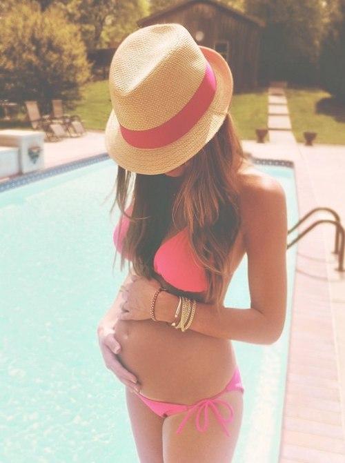 Беременная девушка без лица на аву в