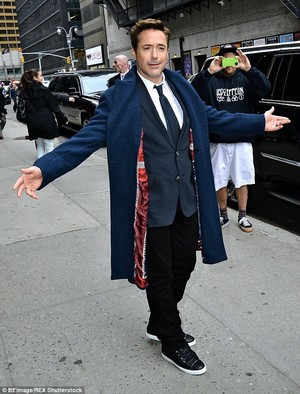 RDJ at the 'Late tampil With David Letterman' taping at the Ed Sullivan Theater in NYC.