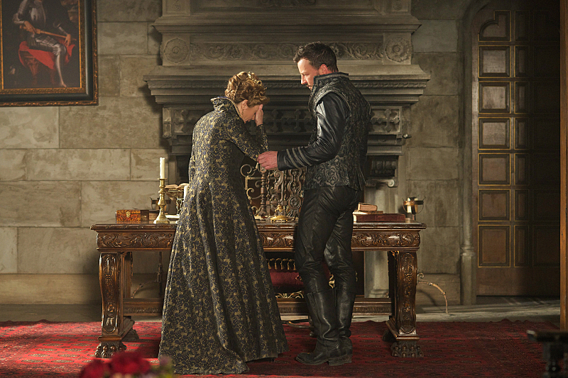 """Reign """"Burn"""" (2x22) promotional picture"""