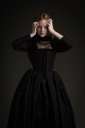 Salem TV Series wallpaper probably with an overskirt, a kirtle, and a polonesa, polonês, polonaise titled Salem - Season 1 - Promotional fotografias