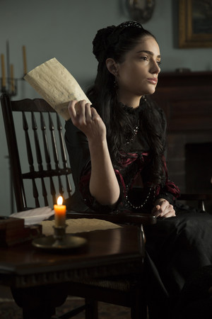 "Salem ""The Wine Dark Sea"" (2x05) promotional picture"