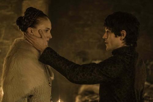 Sansa Stark Hintergrund probably with a pelz mantel called Sansa Stark and Ramsay Bolton