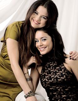 Selena   Vanessa