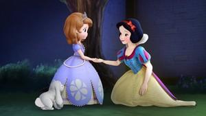 Sofia_and_Snow_White