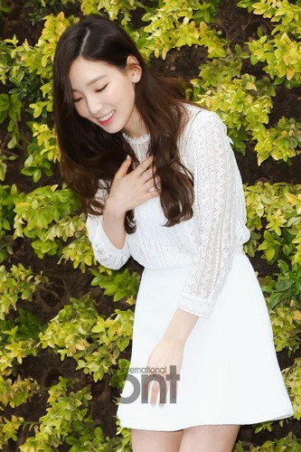 taeyeon (snsd) wallpaper with a portrait entitled Taeyeon at Nature Republic