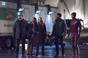 The Flash - Episode 1.22 - Rogue Air - Promo Pics