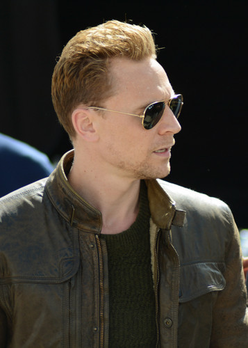 Tom Hiddleston wallpaper containing sunglasses called The Night Manager - BTS