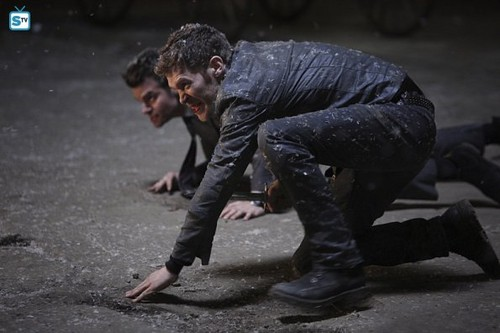 The Originals Hintergrund containing a green beret, a rifleman, kampfanzug, schlachtkleid, and schlacht-kleid titled The Originals - Episode 2.22 - Ashes to Ashes - Promo Pics