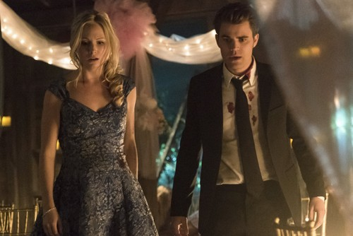 "Дневники вампира Обои entitled The Vampire Diaries ""I'm Thinking Of Ты All The While"" (6x22)"