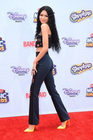 Zendaya on the Radio disney musik Awards 2015 red carpet