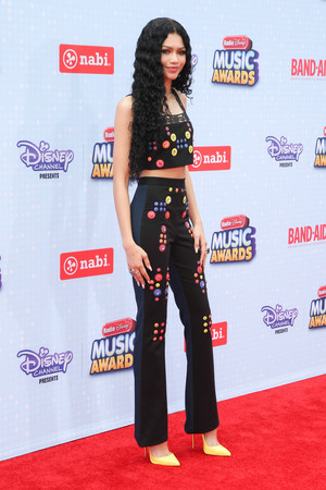 Zendaya on the Radio Disney âm nhạc Awards 2015 red carpet
